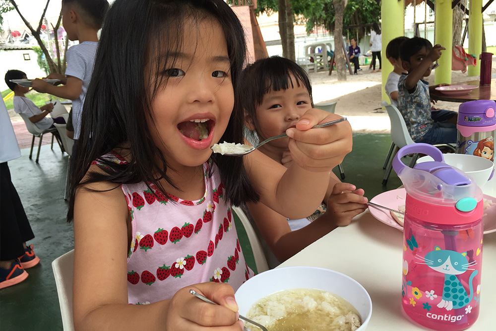 school-lunch-bangkok